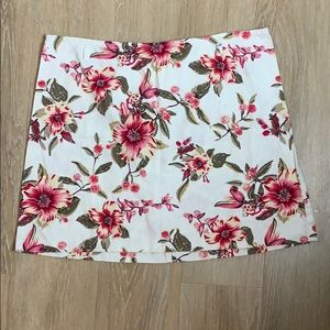 🎉5 for $25🎉 Floral Skirt Size 13